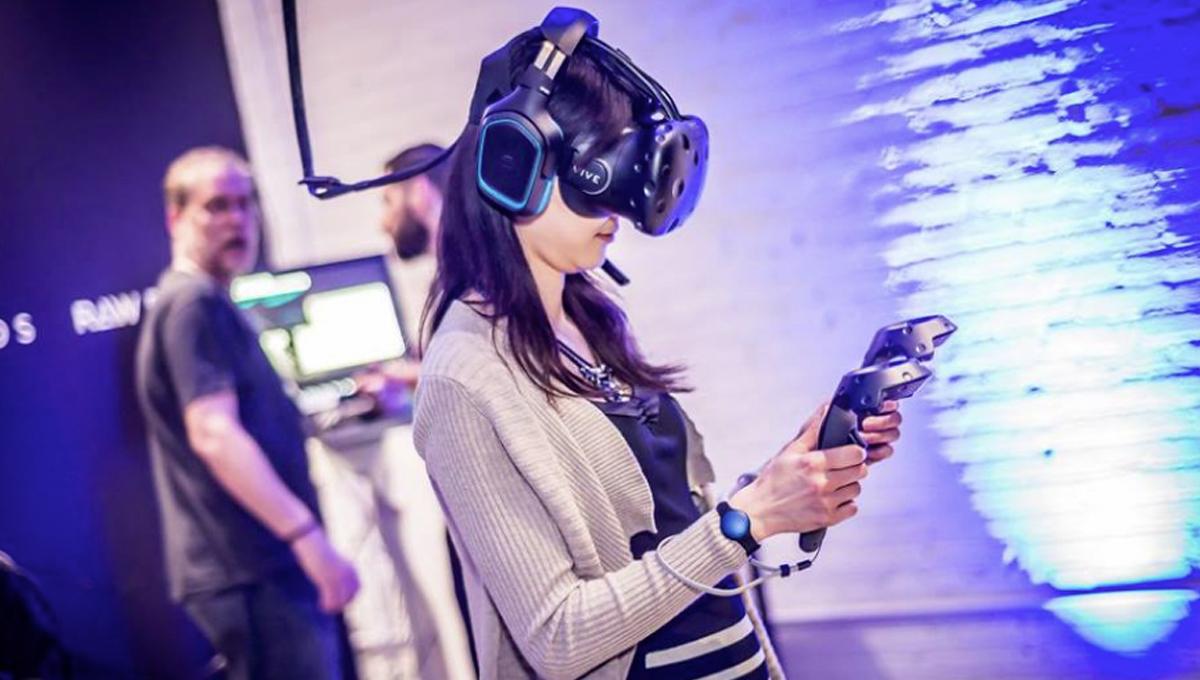 Back to Life, Back to Virtual Reality