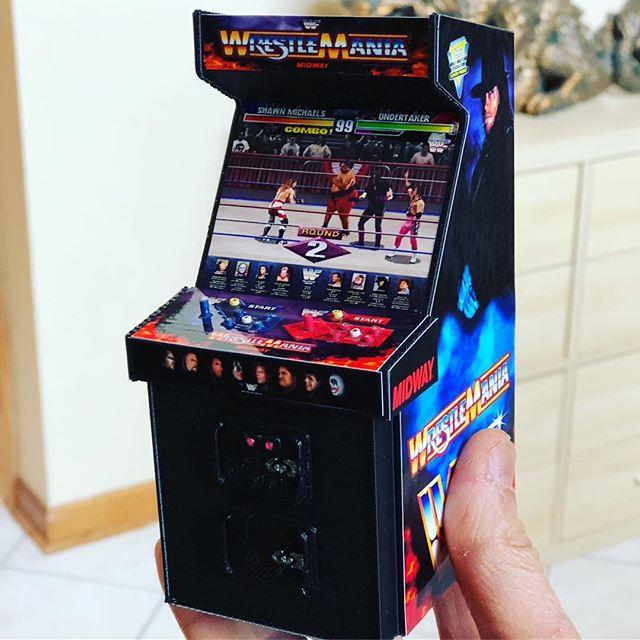Mini version of the Wrestlemania arcade game.