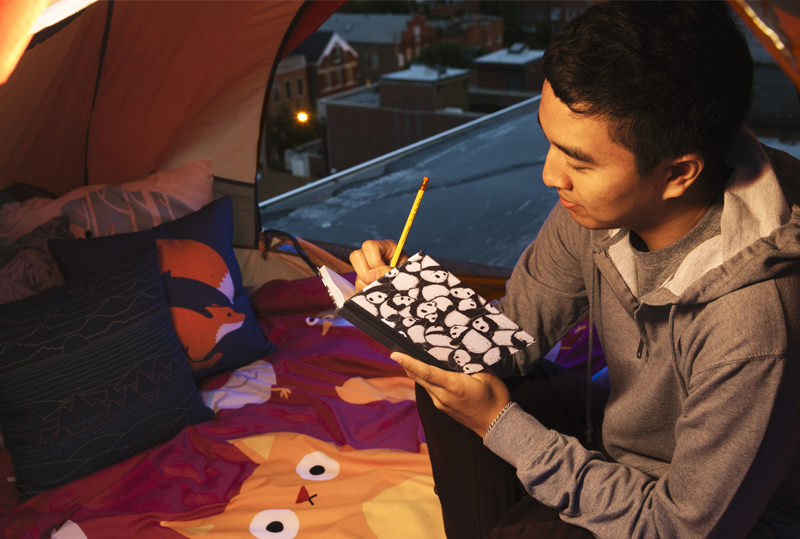 Notebook camping picture
