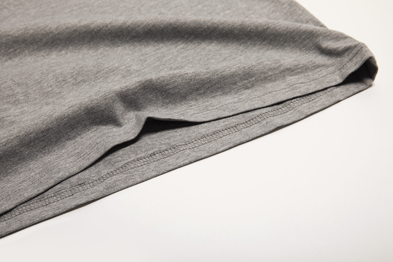 Detail shot of Men's Premium grey t-shirt